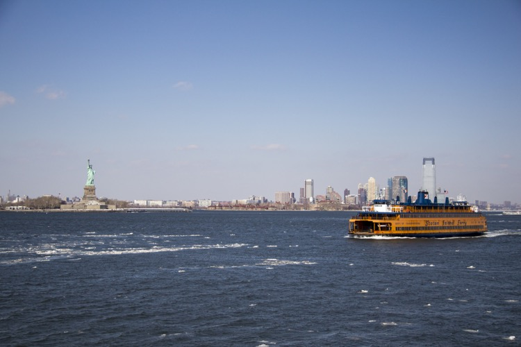 New-York-Liberty_Island_Staten_Island_Ferry