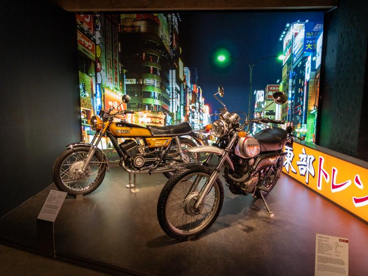 Honda und Suzuki Motorräder kommen in den 70ern nach Europa