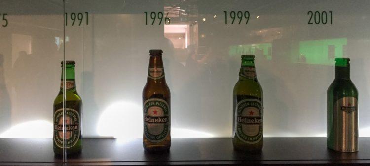 Heineken Flaschen Modelle aus früheren Jahren