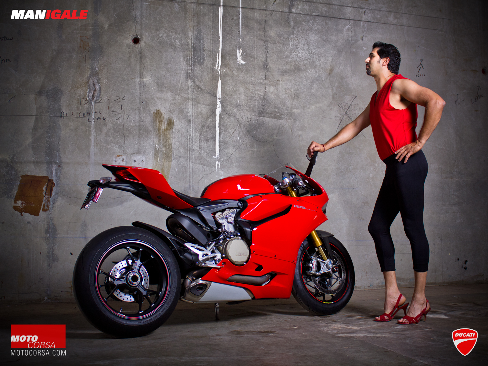 manigale-ducati-1199-wallpaper-07-1600x1200